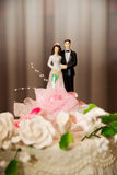 Bride and groom figurines Royalty Free Stock Photos
