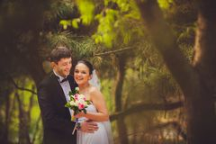 Bride and groom outdoors portrait Royalty Free Stock Photography