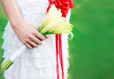 Bride hand holding bouquet Royalty Free Stock Photography