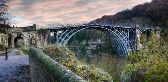 The Bridge across the Severn Gorge. The Ironbridge completed in 1882 spanning the river Severn flowing down the Severn Gorge in Shropshire Stock Photography