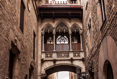 Bridge at Carrer del Bisbe in Barri Gotic, Barcelona Royalty Free Stock Photos