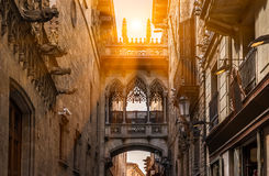 Bridge at Carrer del Bisbe in Barri Gotic, Barcelona Stock Photography