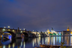 bridge charles night Στοκ φωτογραφία με δικαίωμα ελεύθερης χρήσης