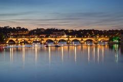 bridge charles night prague Στοκ Φωτογραφία