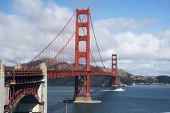 bridge den francisco porten guld- san Royaltyfri Bild