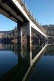 bridge den lantliga huvudvägen Royaltyfri Bild
