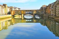 bridge florence gammala italy royaltyfri bild