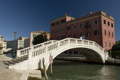 Bridge and house in Venice Royalty Free Stock Images