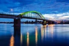bridge natten fotografering för bildbyråer