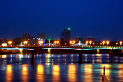 bridge natten Arkivbilder