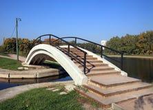 Bridge over pond Stock Photography