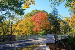 Free Bridge Over The Mill River Stock Photos - 106812683