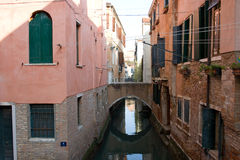 Bridge over Venice canal Stock Photography