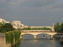 bridge paris för den france neufnatten pont Royaltyfri Bild