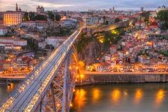 Bridge Ponte dom Luis ovanför Porto, Portugal Royaltyfria Foton