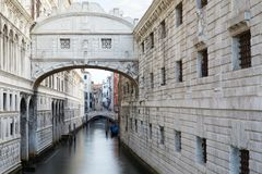 Bridge of Sighs in the early morning in Venice, Italy stock photography