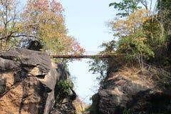 bridge skyen Royaltyfri Foto