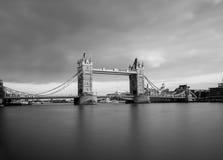 bridge solnedgångtornet arkivfoton