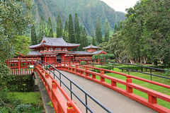 Bridge to Byodo-in Temple Royalty Free Stock Image