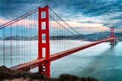 bridge wr?t San Francisco z?oty obrazy stock