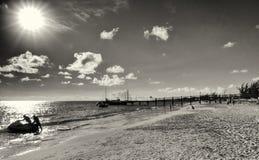 Bridgetown, Barbados - cais na praia de Brownes na baía de Carlisle Fotos de Stock Royalty Free