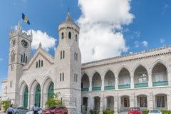BRIDGETOWN, BARBADOS - MAART 10, 2014: Het Parlement van Barbados Één van het oudste parlement in de Wereld Het Eiland van de Car Stock Afbeelding