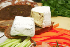 Brie en camembert stock afbeelding