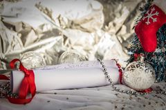 Brief aan Santa Claus With Christmas Background And-Exemplaarruimte royalty-vrije stock foto's