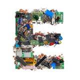 Brief E die van elektronische componenten wordt gemaakt stock afbeelding