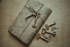 Brief en de sleutels Stock Afbeeldingen
