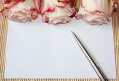 Brief en rozen Royalty-vrije Stock Afbeelding