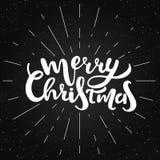 Briefgestaltung der frohen Weihnachten Vektorillustration mit Sonnenstrahlen Lizenzfreies Stockfoto