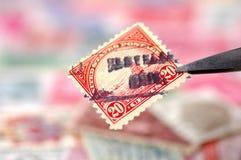 Briefmarkensammeln lizenzfreies stockbild