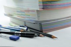 Briefpapier und Bücher Stockfotos