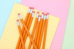 Briefpapier und Bleistifte Stockbilder