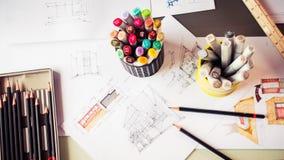 Briefpapierwerkzeugelement und Skizzieren von Innen-desig Lizenzfreie Stockfotografie