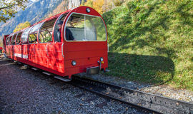 Brienz-Rothorn, Ελβετία - κόκκινο αυτοκίνητο τραίνων Στοκ φωτογραφία με δικαίωμα ελεύθερης χρήσης