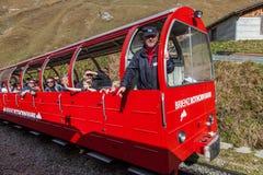 Brienz-Rothorn, Suiza - carro rojo II Fotos de archivo libres de regalías