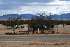 Brievenbussen in de Mohave-Woestijn Stock Foto
