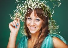 brig σγουρή σύγχρονη γυναίκα Στοκ φωτογραφίες με δικαίωμα ελεύθερης χρήσης