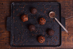 Brigadeiro brésilien de bonbon de truffe de chocolat Image libre de droits