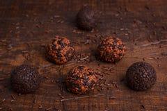 Brigadeiro brésilien de bonbon de truffe de chocolat Photo stock