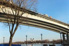 Brige Συγκεκριμένη γέφυρα Voroshilov πέρα από το Don ποταμό Στοκ φωτογραφία με δικαίωμα ελεύθερης χρήσης