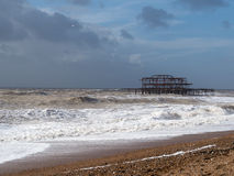 BRIGGHTON, SUSSEX/UK - 15 DE FEVEREIRO: Brigghton após a tempestade dentro Foto de Stock Royalty Free