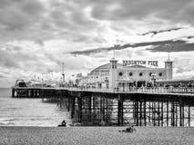 BRIGGHTON, SUSSEX/UK DO LESTE - 24 DE MAIO: Opinião Brighton Pier em Bri Foto de Stock Royalty Free