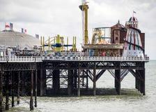 BRIGGHTON, SUSSEX/UK DO LESTE - 24 DE MAIO: Opinião Brighton Pier em Bri Fotografia de Stock