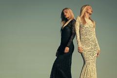 bright colors fashion models white Έννοια αντιθέτων και αντιθέσεων Στοκ Φωτογραφίες