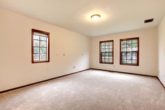 Bright empty room with windows Royalty Free Stock Photography