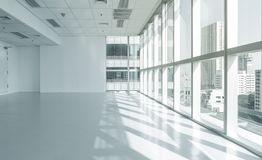 Free Bright Glass Wall Office Building With City View Royalty Free Stock Photography - 99385067