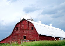 Bright Red Barn Royalty Free Stock Image